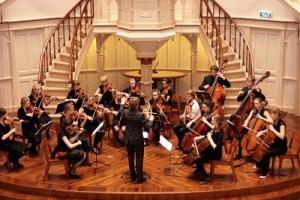1) Orchestra olandese