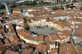 6) piazza-dellanfiteatro1