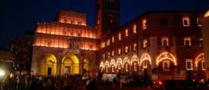 3) Luminara di Santa Croce