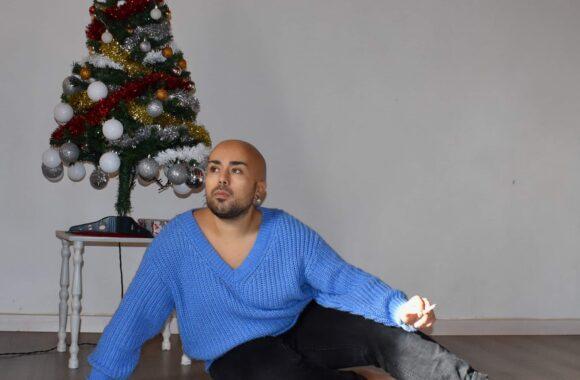 Patto Olivares, storia di un cantautore con un messaggio di speranza