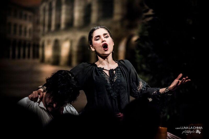 """""""La musica è solo in pausa"""": lirica, metal e tenacia, la missione di Chiara Manese"""