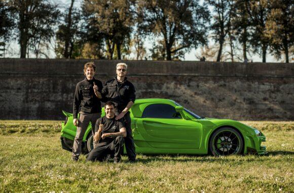Lucca accende un motore di emozioni con la supercar Anomalya