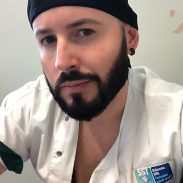 """Gianni Pisani: """"Vi racconto il mio lavoro da infermiere, tra disciplina e fitness"""""""