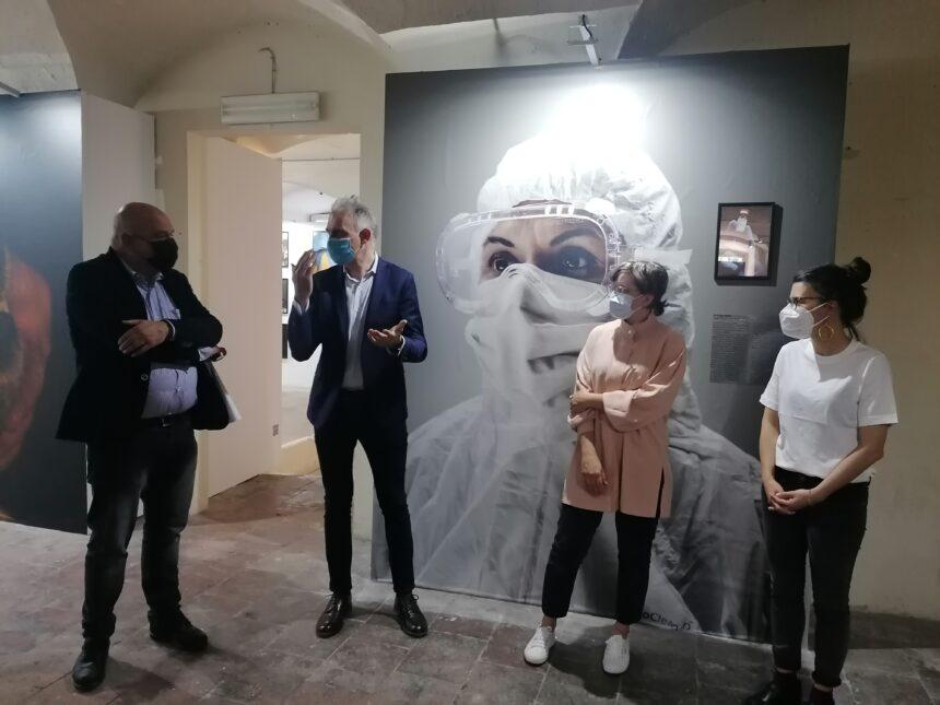 Photolux riparte con due mostre a Villa Bottini